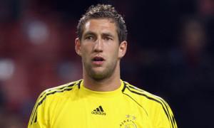 Southampton have signed Dutch 'keeper Maarten Stekelenburg on a season-long loan deal