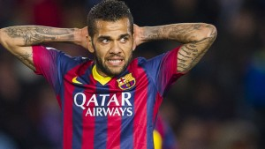 Brazilian full-back Dani Alves has signed a new contract with Barcelona