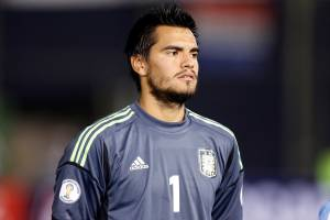 Manchester united have signed Argentinian international 'keeper Sergio Romero on a free transfer and given him a three-year contract