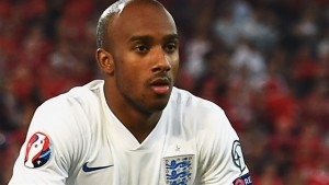Manchester City have signed midfielder Fabian Delph from Aston Villa