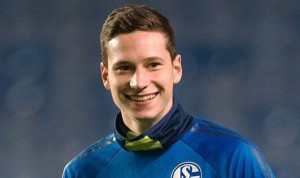 Highly-rated Schalke midfielder Julian Draxler is reportedly close to signing for Wolfsburg