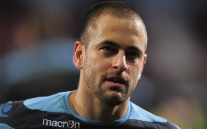 Former-England international playmaker Joe Cole has joined League One Coventry on loan