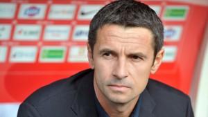 Can Remi Garde help Aston Villa shock Manchester City on Sunday?